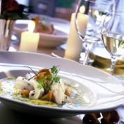 iStock_000006002542Small - Restaurant2
